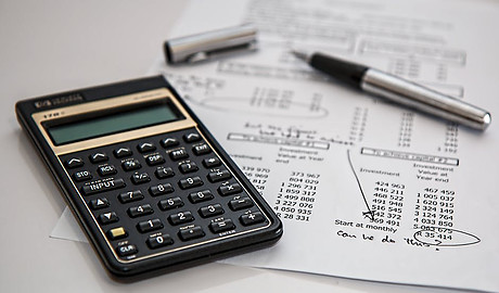 Should I Get A Financial Advisor? - Calculator